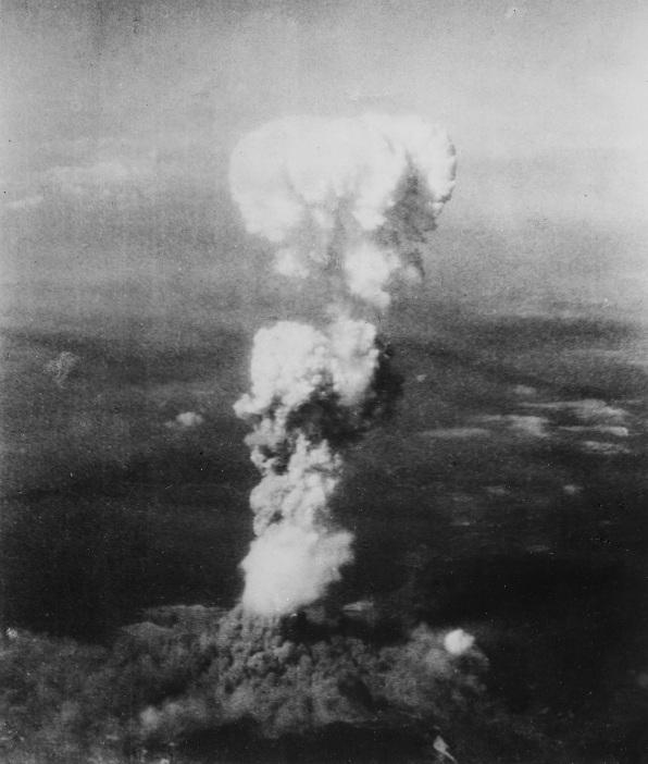 atomic_cloud_over_hiroshima_uranium_atom_bomb_little_boy_aug6th1945.jpg