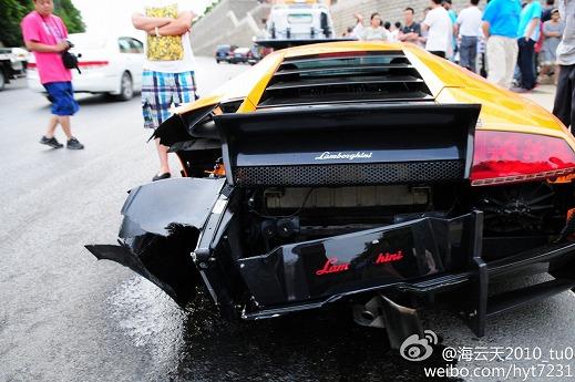 Lamborghini-Murcielago-crash-Dalian-01.jpg