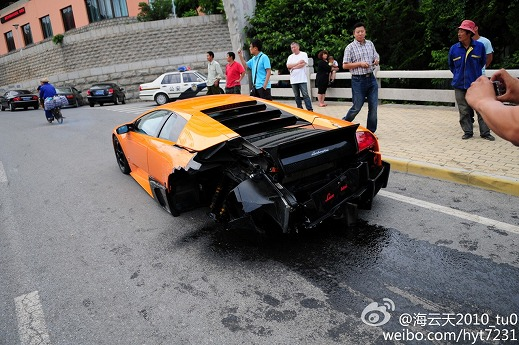 Lamborghini-Murcielago-crash-Dalian-03.jpg