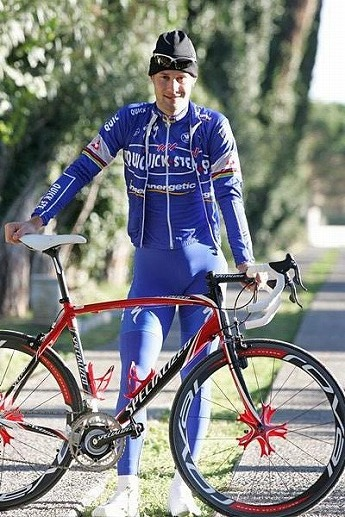 自転車プロレーサーのトム・ボー...