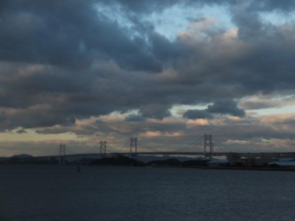 荒天の瀬戸大橋