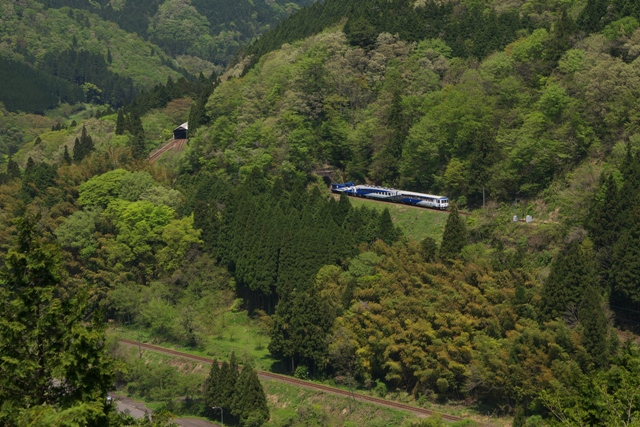 120505-JR-W-okuizumotorokko-izumosakane-hukann-8.jpg