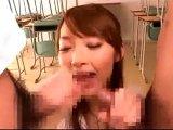 生徒の肉棒をWフェラ抜きする美人女教師