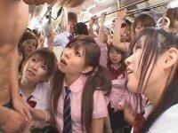 バス内で集団痴女子校生