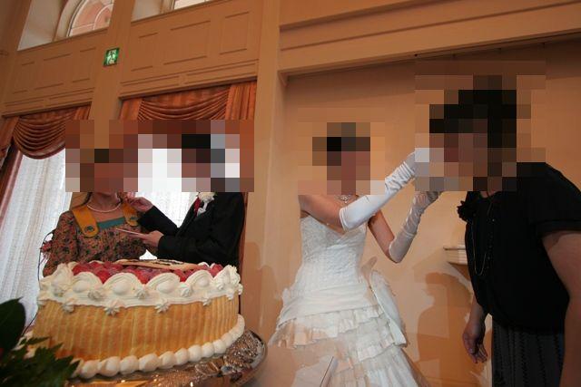 クローン病患者の結婚式 ファーストバイト