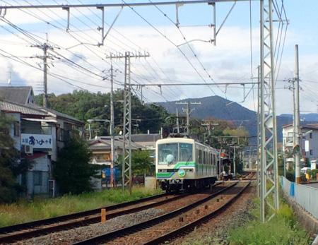 2012101119351000f.jpg