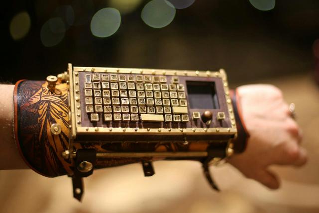 Bluetooth_ArmGuard_01.jpg