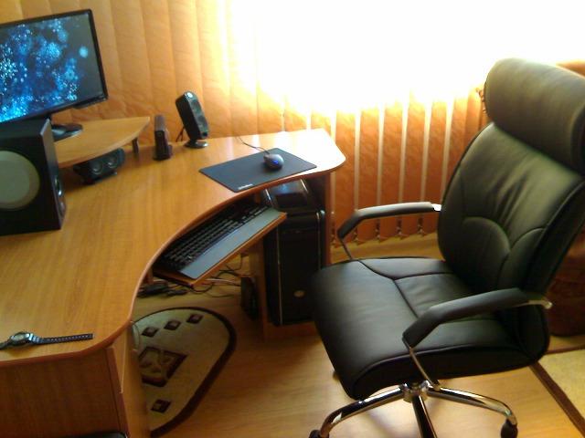Desktop4_127.jpg