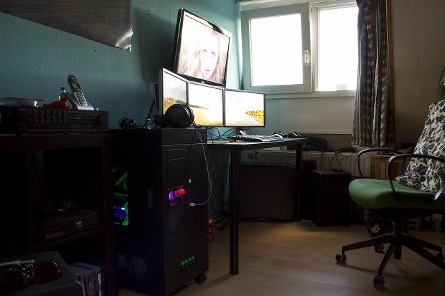 Desktop7_121.jpg
