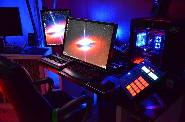 Desktop7_98.jpg