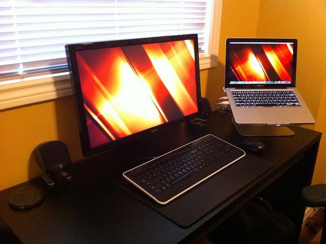 Desktop_Mac2_10.jpg