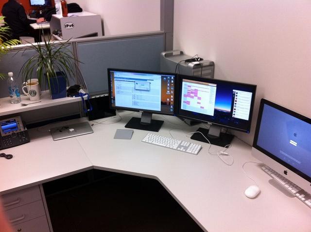 Desktop_Mac2_102.jpg