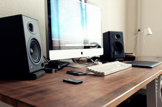 Desktop_Mac2_70.jpg