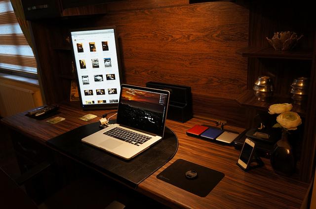 Desktop_Mac2_93.jpg
