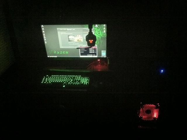 Desktop_Razer4_04.jpg