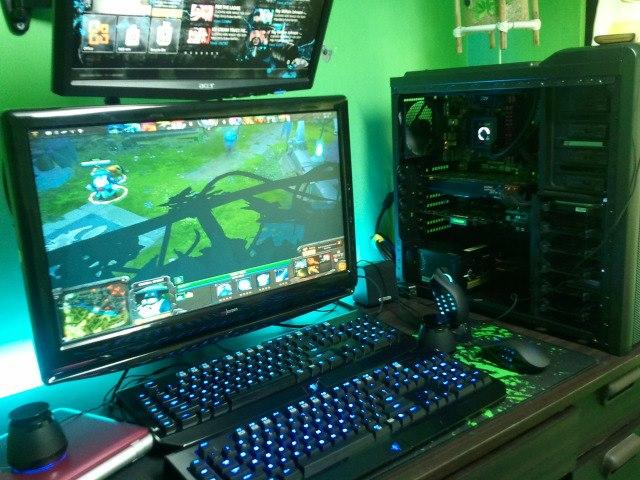 Desktop_Razer4_05.jpg