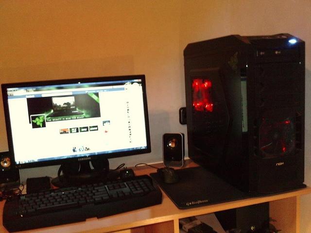 Desktop_Razer4_06.jpg