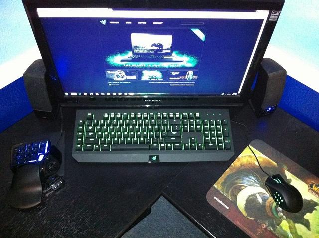 Desktop_Razer4_07.jpg