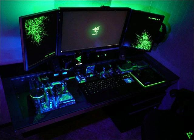 Desktop_Razer4_100.jpg