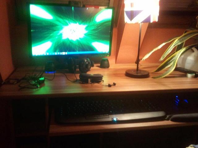 Desktop_Razer4_12.jpg