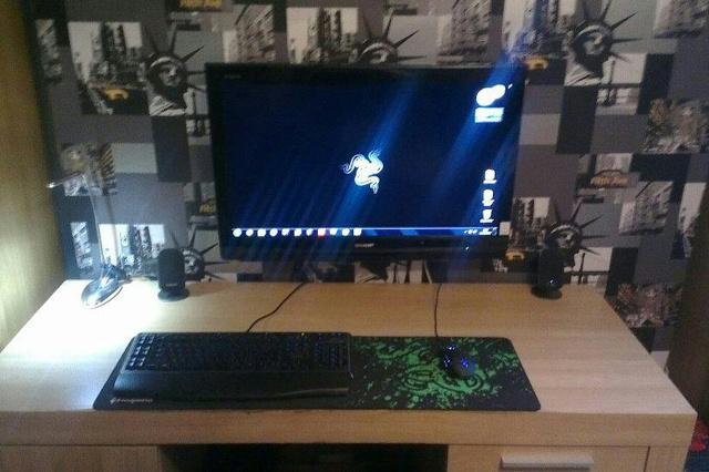 Desktop_Razer4_14.jpg