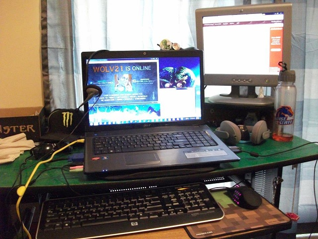 Desktop_Razer4_18.jpg