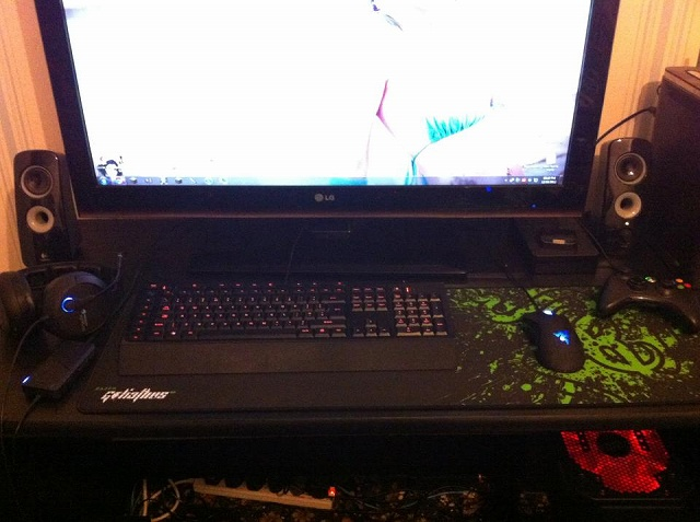Desktop_Razer4_19.jpg