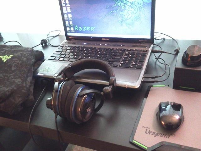 Desktop_Razer4_34.jpg