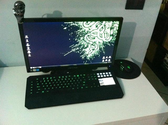 Desktop_Razer4_35.jpg