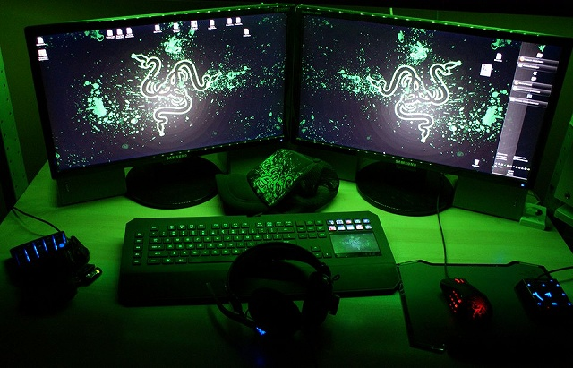 Desktop_Razer4_54.jpg