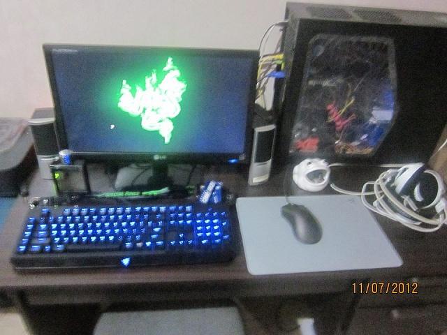 Desktop_Razer4_55.jpg