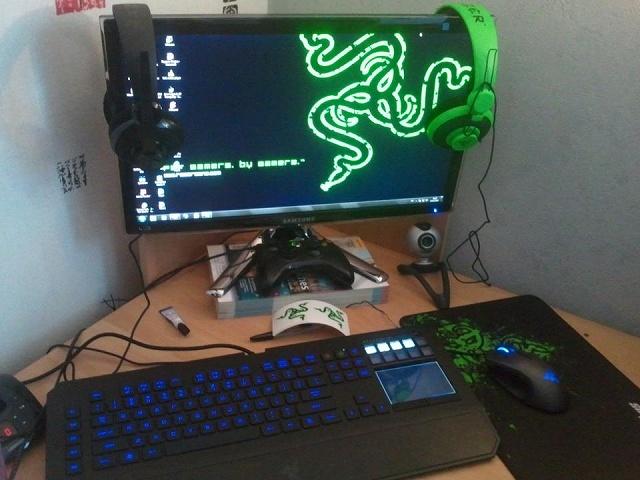 Desktop_Razer4_60.jpg