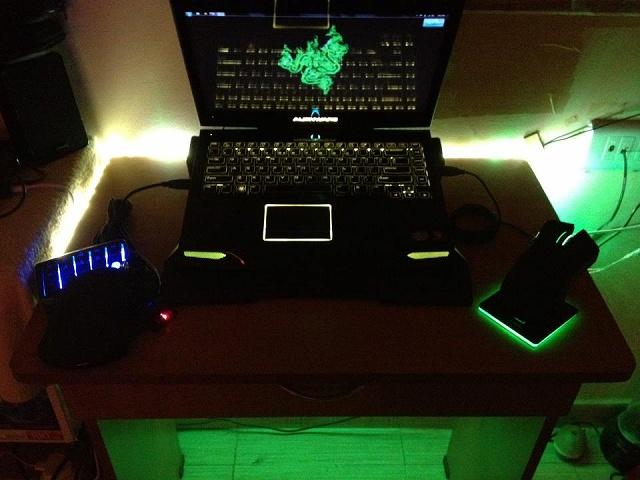 Desktop_Razer4_70.jpg