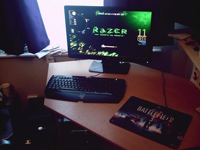 Desktop_Razer4_78.jpg
