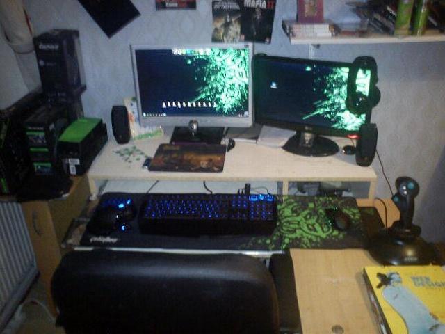 Desktop_Razer4_87.jpg