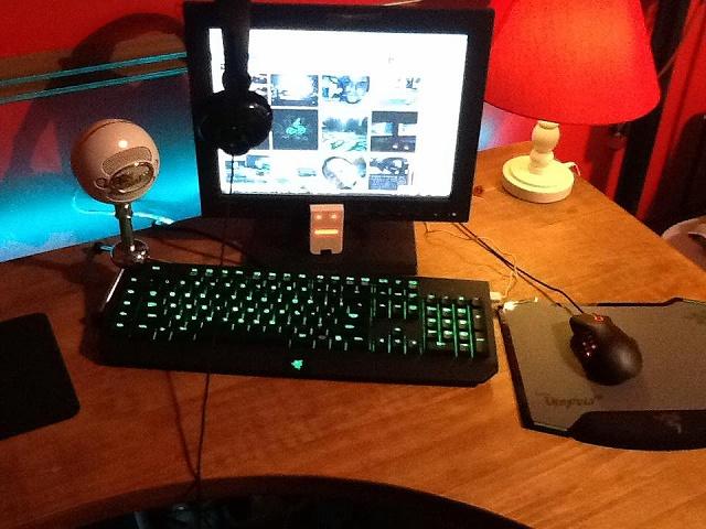 Desktop_Razer4_88.jpg