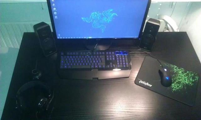 Desktop_Razer4_90.jpg