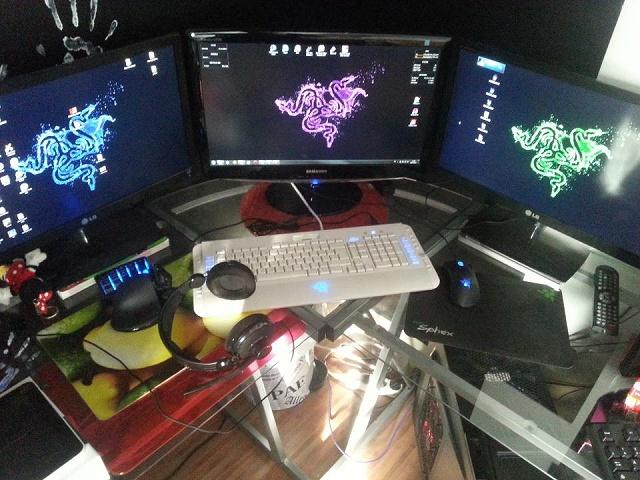 Desktop_Razer4_93.jpg