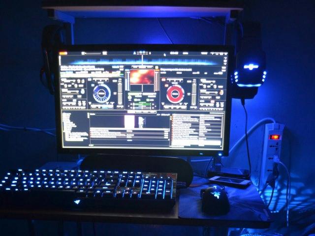 Desktop_Razer4_97.jpg