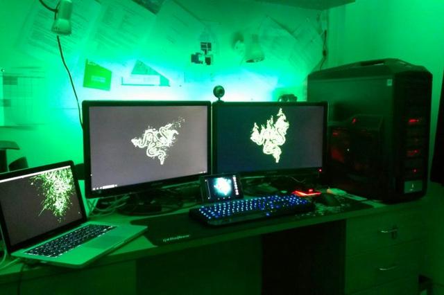 Desktop_Razer4_99.jpg