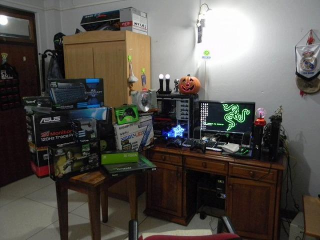 Desktop_Razer_073.jpg