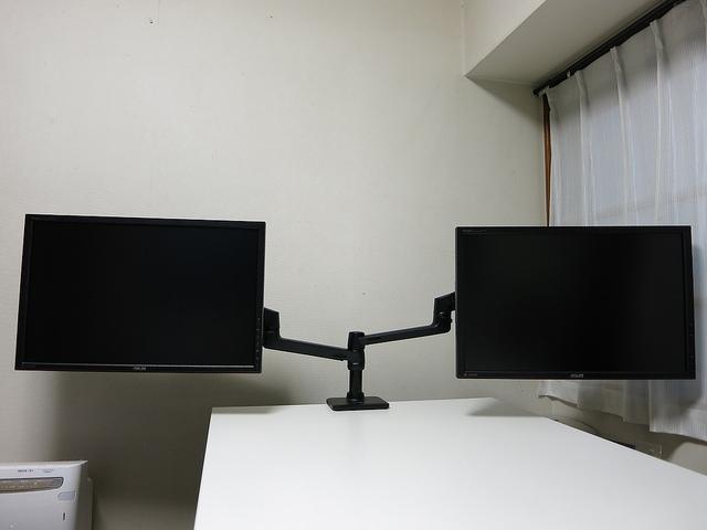 HP_SingleMonitorArm_42.jpg
