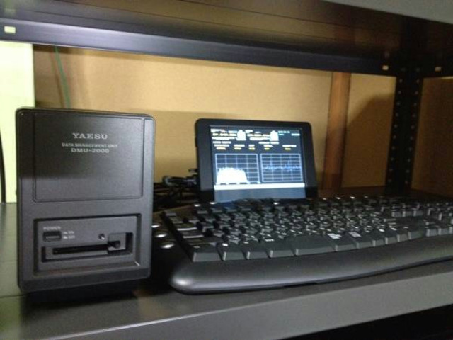 LCD-8000DA_05.jpg
