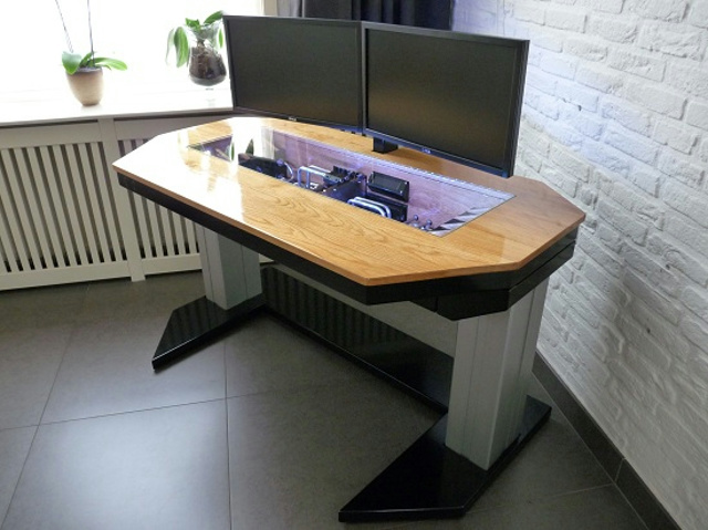 built-in_PC-Desk_01.jpg