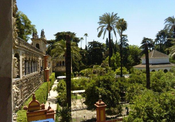 王城の庭園 異国の文化をめでたペドロ王もこんなふうに南国情緒を愛したのでしょうか