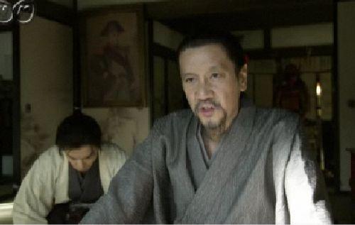 今日もいい味出してました。奥田象山先生。うしろにボナパルテが・・・